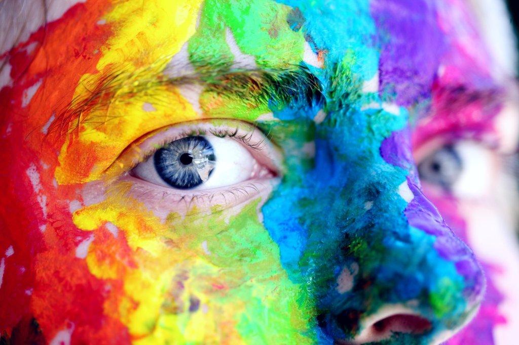 Giugno è il Pride Month: il mese dedicato ai diritti delle persone lesbiche, gay, bisessuali e transgender.